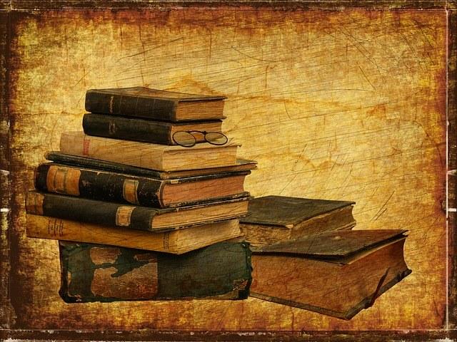 books-2818949_640.jpg