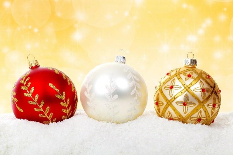 christmas-ball-314809_1280.jpg